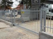 Ogrodzenie i brama Centrum Medyczne Macierzyństwo